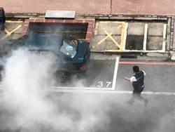 車停路邊起火自燃 路過公車駕駛機警助滅火