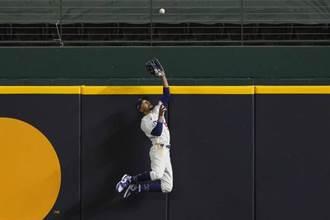 MLB》金手套勝過城牆 貝茲連3場拯救道奇