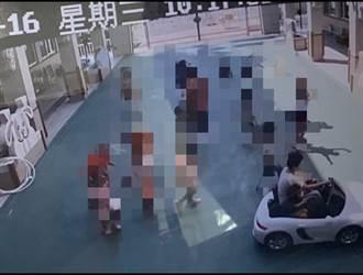 幼兒園長開「白色跑車」讓孩子追?園長喊冤:是幼兒電動車