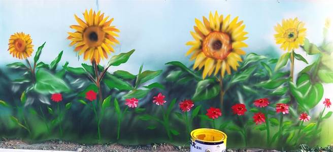 一位油漆师傅无奈表示,客户要求他替墙壁上漆,却又指示要多画些简单物品点缀。向客户收取费用时,客户却突然翻脸不认帐。(摘自爆怨公社)