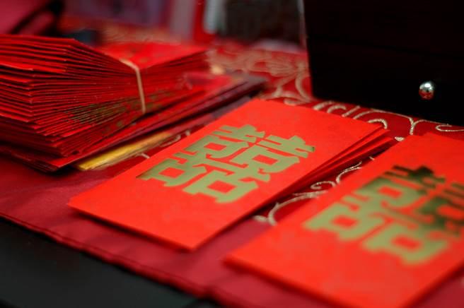 婚禮紅包寫永浴愛河太普通 過來人力推「創意賀詞」全場笑歪