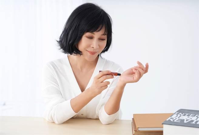 舒沉香使用稀有的綠奇楠沉香精華做基底,透過靶向式萃取技術結合中央研究院國家級的技術專利,是很難得的精油產品。(圖/舒沉香提供)