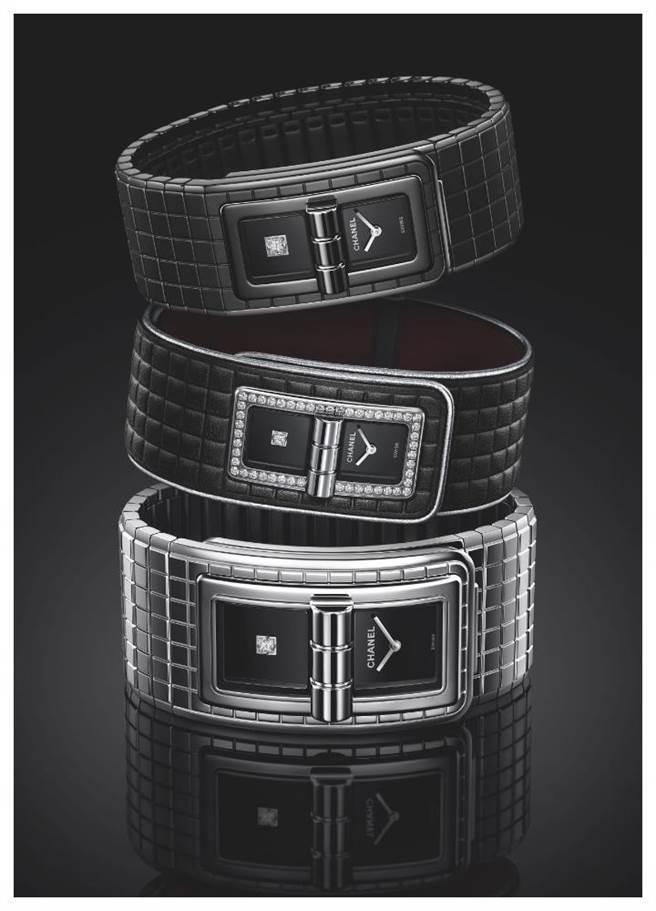 香奈儿推出三款CODE COCO腕表(由上而下),一是全黑款,26万7000元,一是皮革款,30万元,一是加大款,23万6000元,各限量250只。(CHANEL提供)