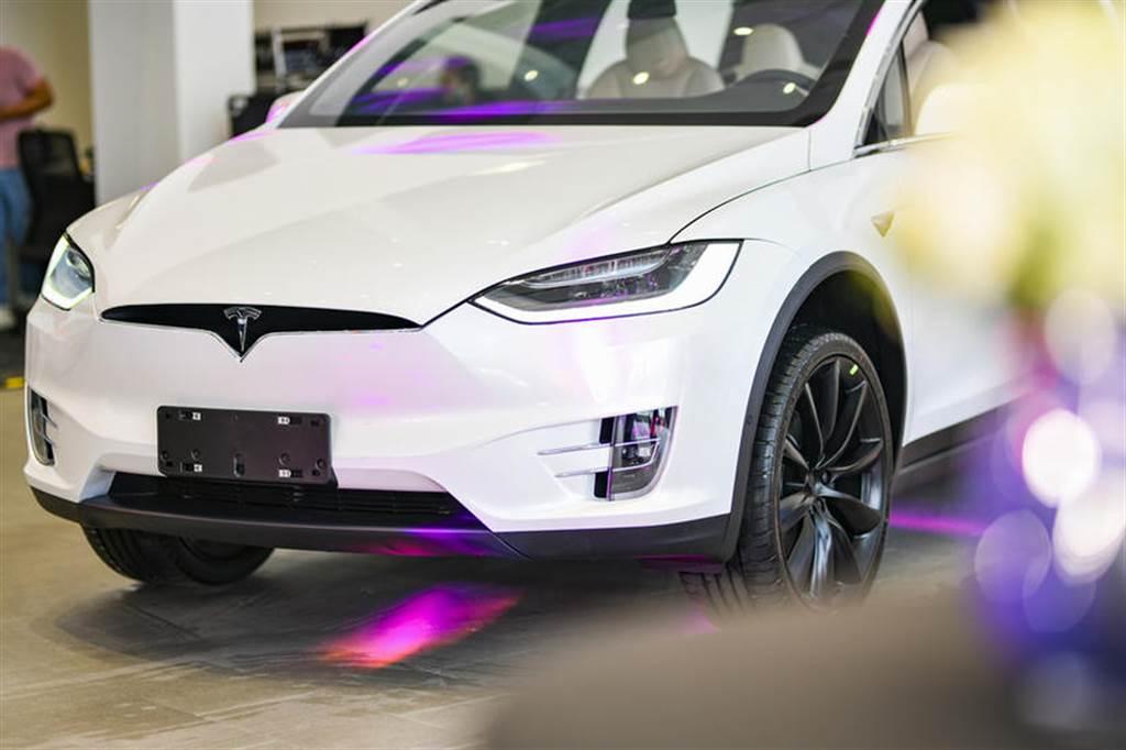 價格有驚喜!台灣特斯拉 Model X 現貨車降價尋覓買主中
