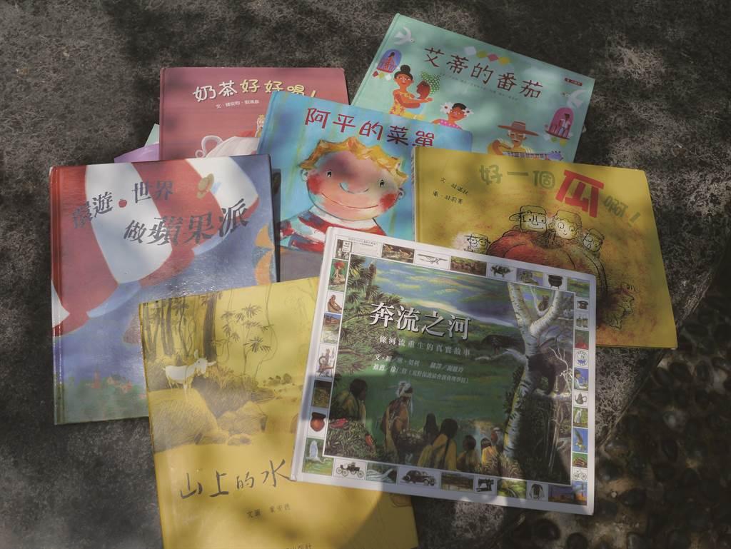 綠市集與主婦聯盟合作的親子共讀綠繪本,主講菜單設計,藉由繪本把綠生活的概念傳達給小孩們。(圖/IN新竹提供)