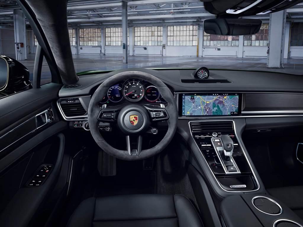 Porsche發佈小改款Panamera Hybrid車型 最大馬力來到700 ps