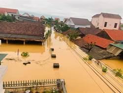 越南洪災擴大 慈善團體急調物資乾糧救助