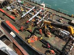 台中港再傳意外 船長跌落甲板昏迷送醫