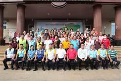仁武區公所舉辦重陽節活動 區長祝賀阿公阿嬤呷百二
