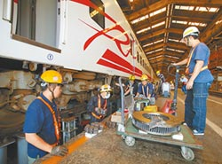 鐵道學會指 交通部也要負責任