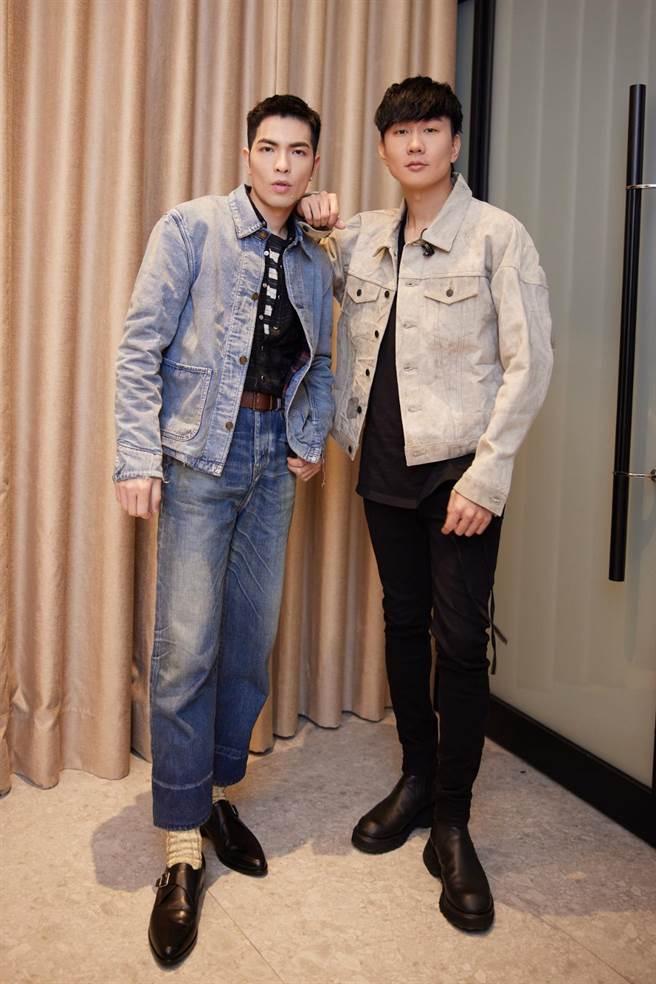 林俊傑(右)舉辦線上聽歌會,蕭敬騰站台。(華納音樂提供)