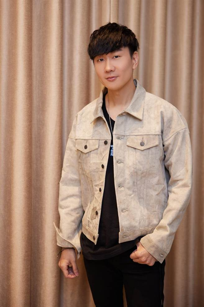 林俊傑睽違三年推出第14張專輯《倖存者•如你》。(華納音樂提供)