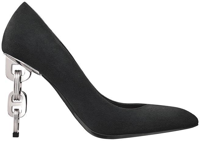 麗晶精品Hermes Babylone系列山羊麂皮高跟鞋,7萬600元。(麗晶精品提供)