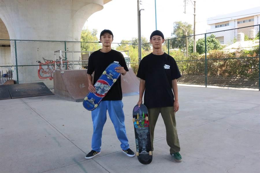 Nike SB職業滑板選手陳俊安(右),與海口滑板店的主理、中華民國滑板協會發言人湯博富(左),推廣苗栗縣滑板運動文化。(巫靜婷攝)
