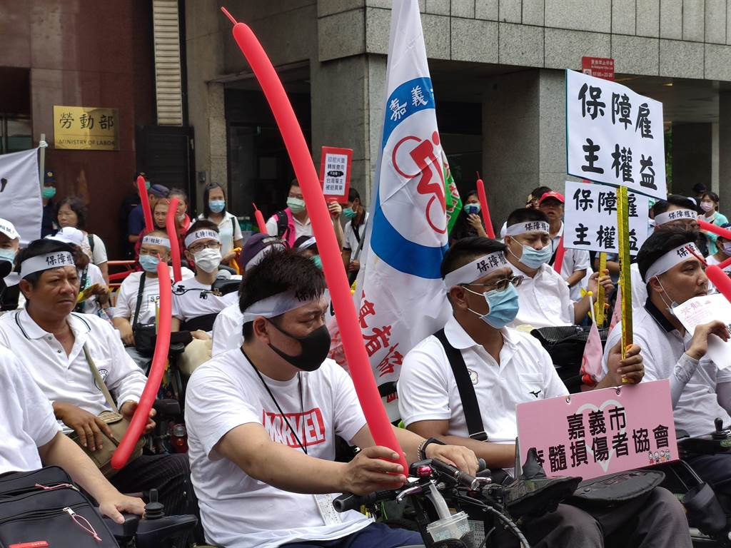 印尼政府日前召開記者會指出,擬從明年元月起讓印尼移工「零付費」工作,我國雇主團體日前曾經赴勞動部抗議。(報系資料照)
