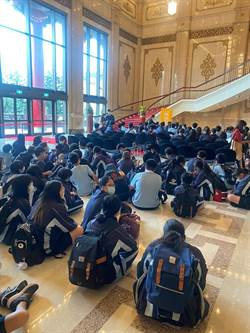 不只普惠金融還要普惠藝文 集保攜雲門為中學生開演