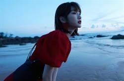《三十而已》「鐘曉芹」紅裙一手撩出腿根 清新臉蛋受封白月光