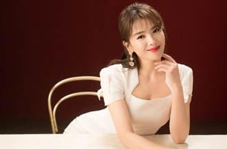 劉濤深V長裙雙邊透視秀白皙美肌 狂噴高雅魅力