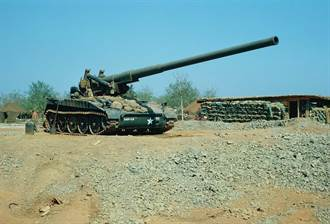 美國陸軍曾經的超級巨砲:M107自走加農砲