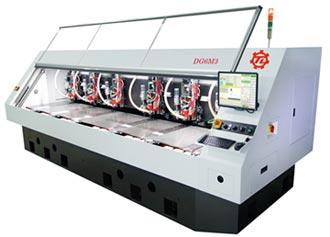 大量科技 展出六軸高效線馬鑽孔機