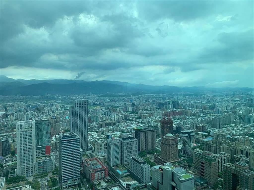 今年房市活絡,房價「漲聲」不斷,台北市買房,要比去年貴上每坪3萬元。圖/蔡惠芳