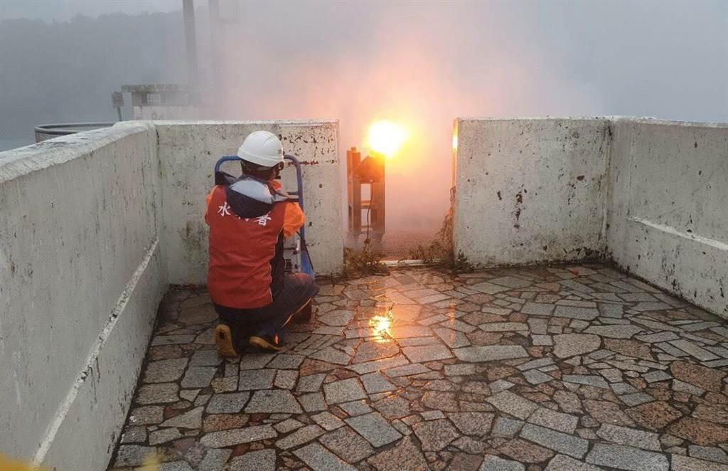 石門水庫22日執行人工增雨作業。(北水局提供/呂筱蟬桃園傳真)