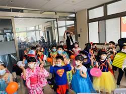 幼兒園參觀警所 波麗士發糖降服「萌萌妖魔」