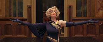 最美女巫安海瑟葳、奧塔薇亞史班森告訴你如何發現混在你身邊的女巫!