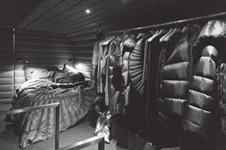 Moncler X Rick Owens 旅行巴士上路