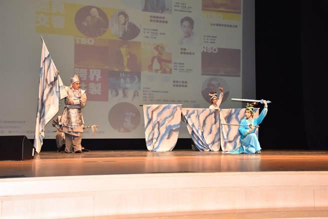 苗北藝文中心12月壓軸大戲將由唐美雲歌仔戲團的「千年渡白蛇」擔綱。(謝明俊攝)