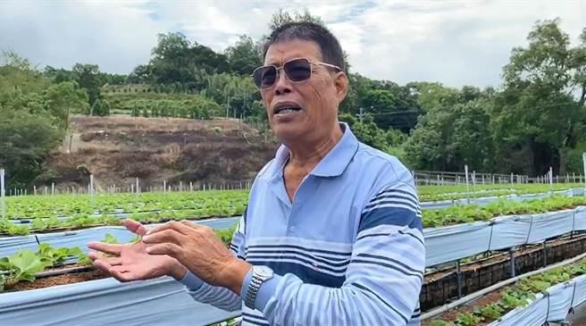 大湖農會產銷班班長范銹龍指出,台灣農業技術成熟,政府應該協助農民整合行銷,成立國家隊進軍國際,讓農民有利可圖。(巫靜婷攝)