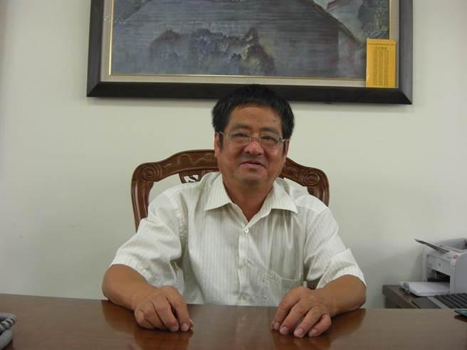 投入教育工作長達40年,被譽為「校長師傅」的紀孟標日前因病辭世。(家屬提供/林欣儀台中傳真)