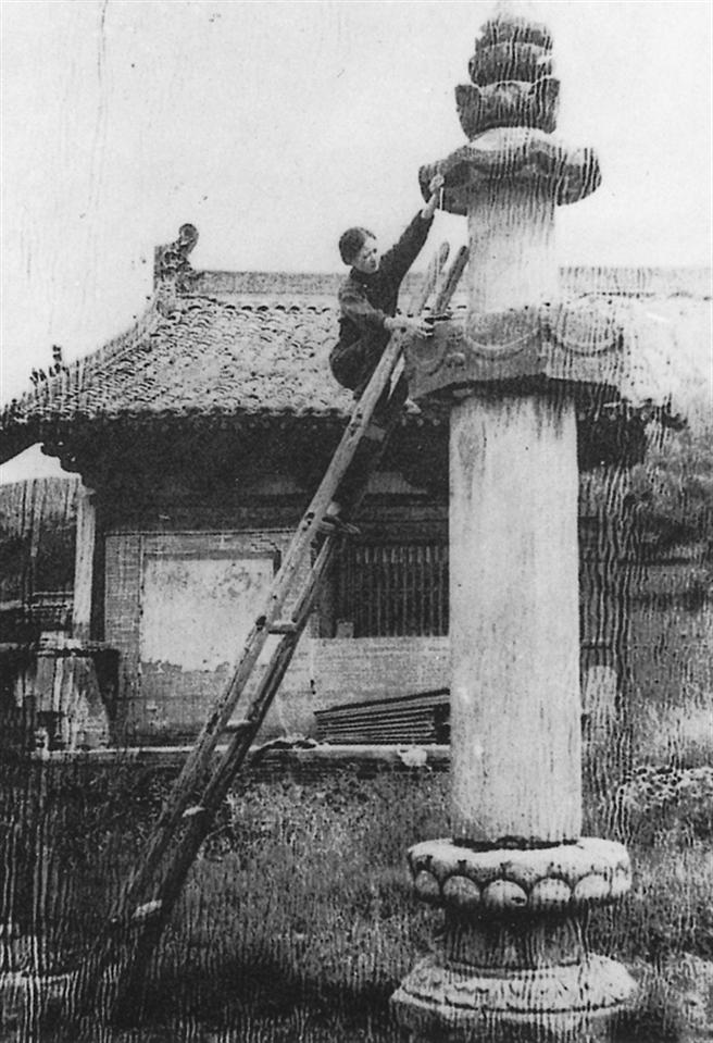 林和丈夫在1930年代多次實地研究與記錄中國最古老的建築寶藏時所攝。(圖/左岸文化提供)