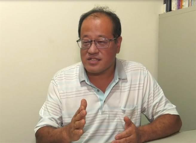 《小聚人》創辦人葉文龍創立公益火鍋店,希望增加身障者就業機會。(照片/游定剛 拍攝)