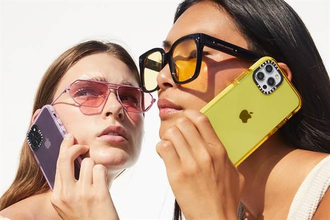 CASETiFY兼具美觀和實用性,是許多女孩的手機殼愛牌。(圖/品牌提供)