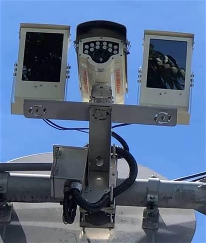 花蓮縣警局近日在市區重要路口設置「車牌辨識攝影機」,用來追查可疑車輛、嚇阻犯罪使用。(警方提供/羅亦晽花蓮傳真)