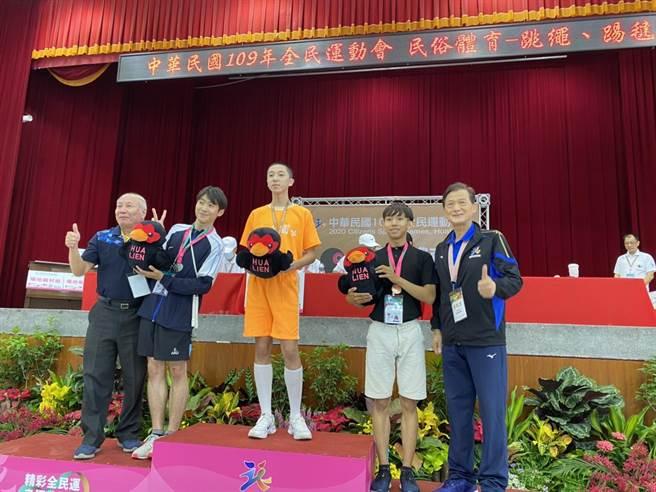 男子組跳繩選手周彥丞以92.25分的高分摘金。(基隆市政府提供/陳彩玲基隆傳真)