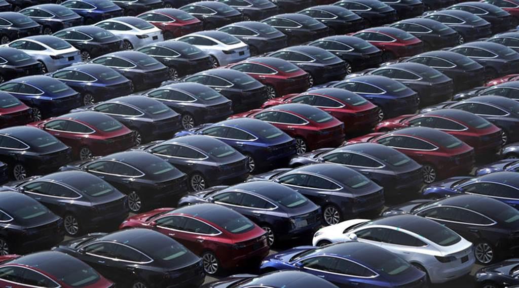 美中德三地工廠聯手,特斯拉明年產能上看百萬輛!