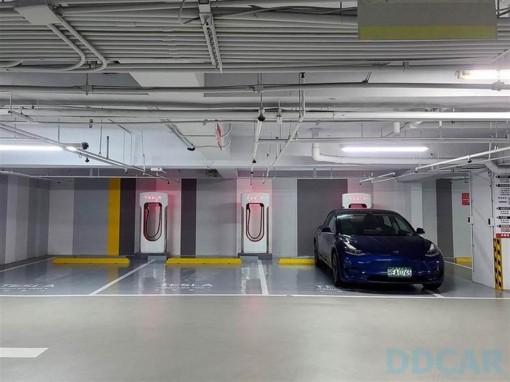 下一座超充在哪裡?特斯拉透露 22 處優先地點,歡迎推薦最符合車主需求的設點位置!