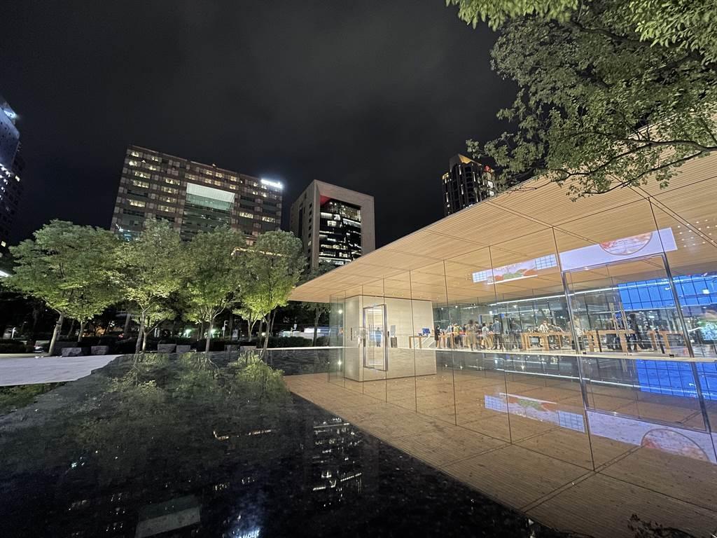 攝影師施信鋒利用iPhone 12 Pro所拍的夜景照片。(Anfernee Shih提供/黃慧雯台北傳真)