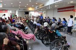 麻豆新樓護理之家重陽二胡音樂會  家屬陪住民欣賞倍增溫馨