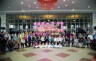 重阳敬老 南市议会自制巨型扭蛋机与人瑞同乐