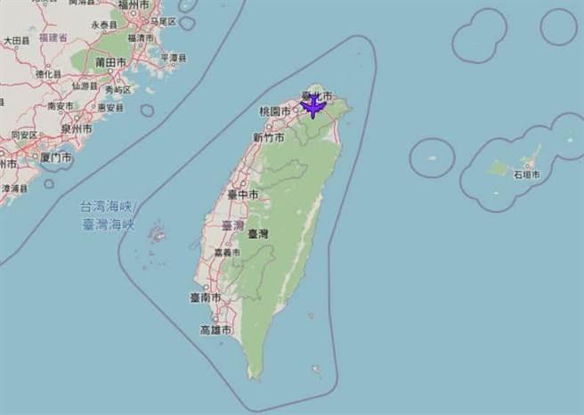 RC-135W電偵機於21日飛越台灣。The drive網站取自開源ADS-B