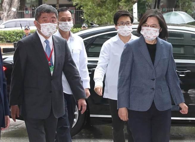 蔡英文總統和衛福部長陳時中出席「2020 臺灣全球健康論壇(2020 Global Health Forum in Taiwan)」。(趙雙傑攝)