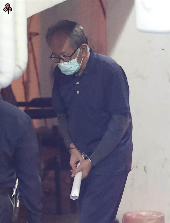 台北地院23日審理立委集體貪汙案開庭,提訊羈押中的立委陳超明(見圖)到庭釐清案情 。(趙雙傑攝)