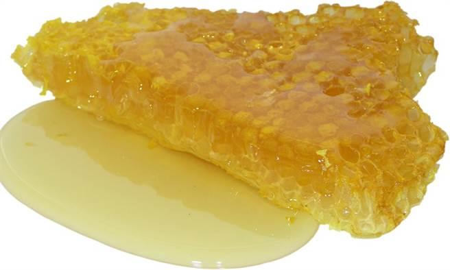 蜂蜜能潤膚、潤腸通便,解決秋燥症狀。(圖片來源:pixabay)