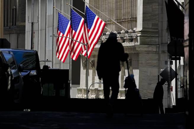 专家认为,美国这次纾困案会过,但却是利多出尽。(美联社)