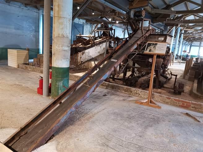 台南市北門洗滌鹽工廠是日據時期由台灣總督府專賣局所建的4大粉碎洗滌鹽廠之一。(劉秀芬攝)