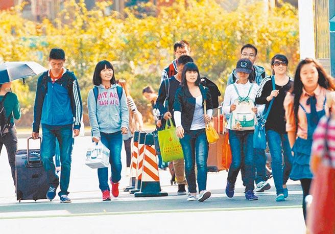 2014年南京大學開學景象。(新華社)