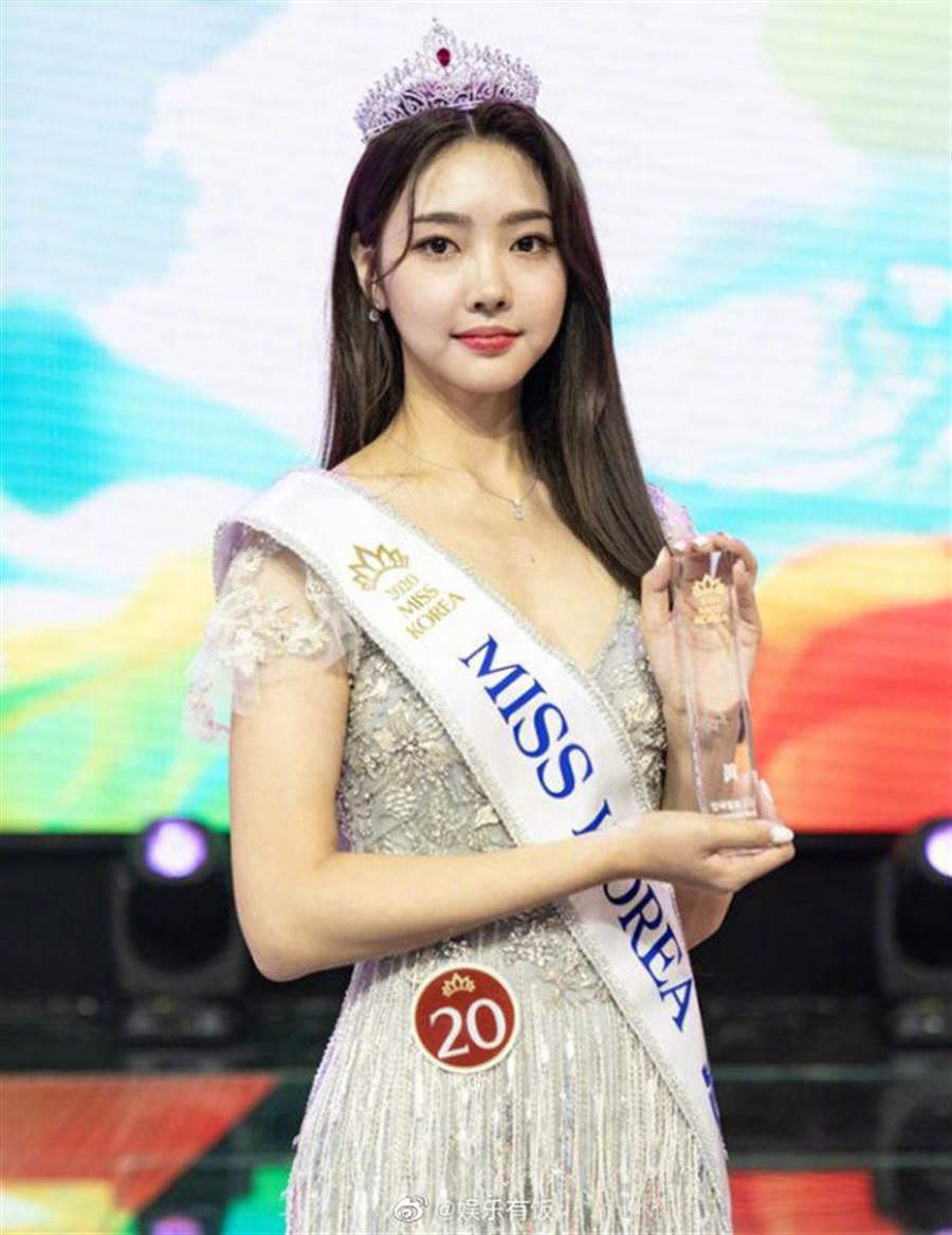 22歲金慧真成為新科韓國小姐。(取自韓網)